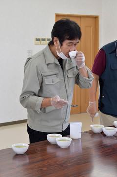 200729茶共進会審査会 味審査.jpg